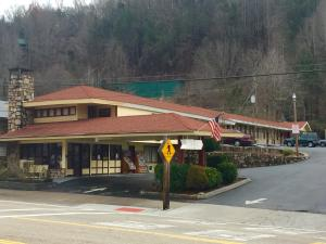 Photo of E Z Inn & Suites