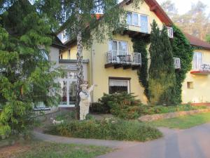 Hotel & Waldrestaurant Johannesruh - Pensionhotel - Hotels