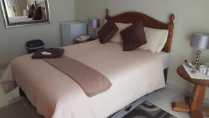 Double Room with Private Shower -12
