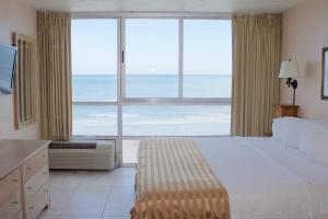 One-Bedroom Suite with Ocean View (Atlantic)