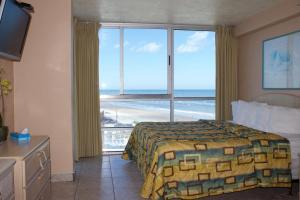 Two-Bedroom Suite with Ocean View (Tomoka)