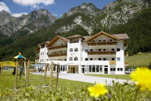 Hotel Alpin, Hotel  Colle Isarco - big - 18