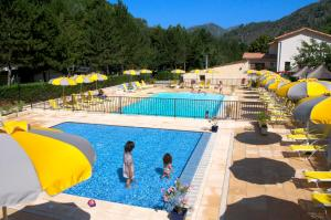 Photo of Camping Les Eaux Chaudes
