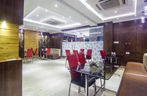 Hotel Sawood International, Hotels  Kolkata - big - 21