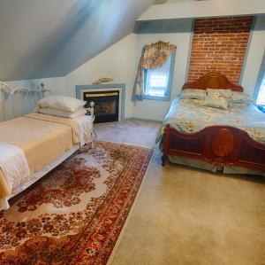 Photo of Candlelight Inn Bed And Breakfast
