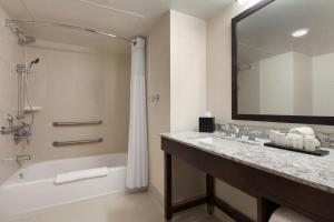 One-Bedroom King Suite - Mobility/Hearing Accessible