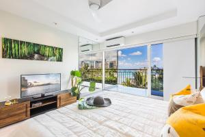 Photo of Castle Waikiki Shore Luxury Two Bedroom Apartment