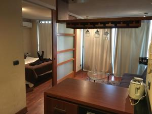 One-Bedroom Queen Suite with Sofa Bed (3 Adults)