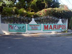 Mariposa Hide Away