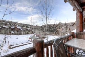 Five-Bedroom Townhome - Snow Cloud