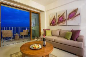 Grand Almar Jacuzzi and Terrace Full Ocean View