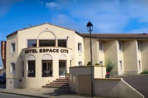 Photo of Hotel Espace Cite