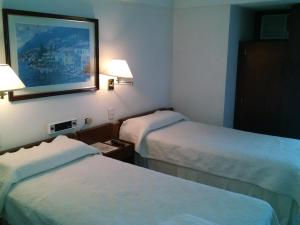 Quintuple  Deluxe Room