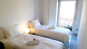 Superior Double Room with Balcony and Shared Bathroom