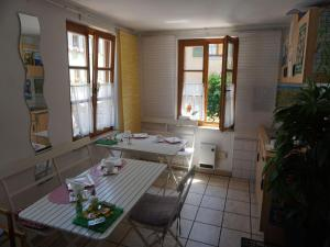 Pension Ins Fischernetz, Guest houses  Meersburg - big - 31