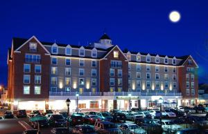 Photo of Salem Waterfront Hotel & Suites