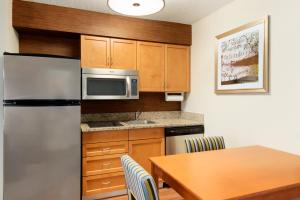 Premium One-Bedroom Double Suite - Non-Smoking
