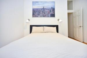 Photo of Hip And Trendy 3 Bedroom Near Times Square