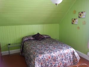 One Double Room with Shared Bathroom