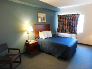 Superior Queen Room - Disability Access- Non-Smoking