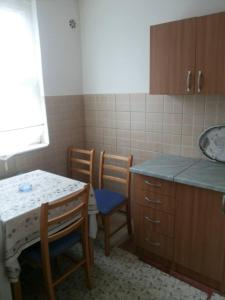 Apartment Amra, Appartamenti  Tuzla - big - 3