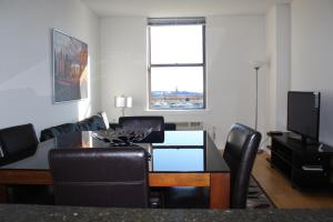 One-Bedroom Apartment - Statue of Liberty View
