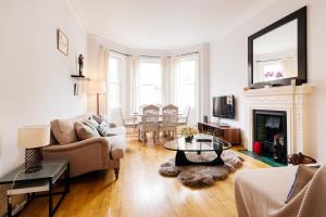 FG Apartment - Earls Court Warwick Road 44 in London, Greater London, England