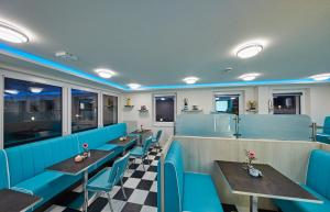 Bernstein Hotel 50`s Seaside Motel