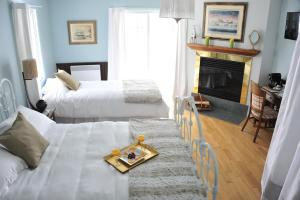 Superior Queen and Twin Room