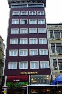 Photo of Hettie Hotel