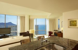 Trump Executive Two Bedroom Ocean View Suite
