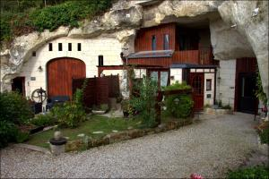 Les Troglos de Beaulieu, Bed and Breakfasts  Loches - big - 48
