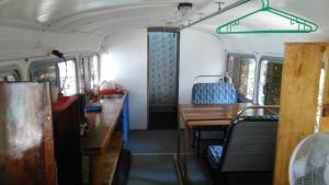 Mobile Bus Room (2 adults)