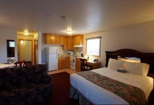 Photo of Executive House Suites Hotel & Conference Centre