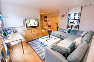 Point West Apartment in London, Greater London, England