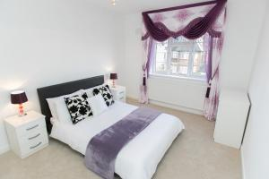 Four Bedroom Apartment Finchley - Beaufort Park Road in London, Greater London, England