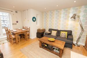 Apartment Hoxton Street in London, Greater London, England