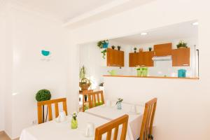 West Side Guesthouse, Ostelli  Peniche - big - 38