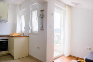 Apartments Deak, Apartmány  Janjina - big - 82