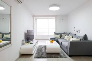 Photo of Five Stars Apartment By Tel Aviv   University