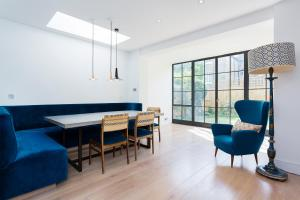 Four Bedroom House on Kelmscott Road - Clapham in London, Greater London, England