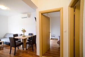 Apartments Deak, Apartmány  Janjina - big - 93