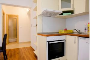 Apartments Deak, Apartmány  Janjina - big - 68