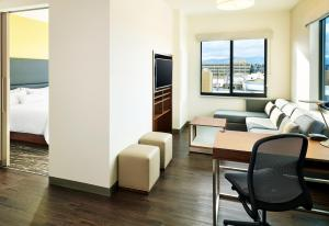 Conference One-Bedroom Suite