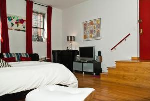 Photo of East Village Comfortable / New Studio Apartment
