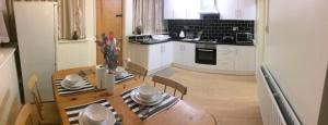 Nether Street Apartment in Finchley, Greater London, England