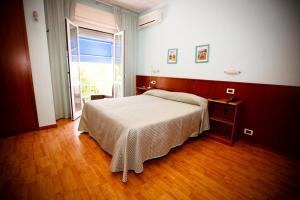 Hotel Daisy, Hotely  Marina di Massa - big - 81
