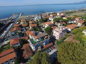 Hotel Daisy, Hotely  Marina di Massa - big - 72