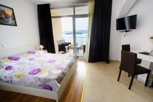 Apartments Deak, Apartmány  Janjina - big - 64
