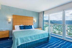 Two-Bedroom Regal Suite on the 34th floor (6 adults)